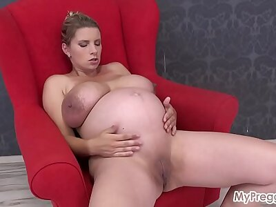 Preggo Katerina Flaunts The brush Huge Tits, Then Fucks The brush Shaved Pussy!