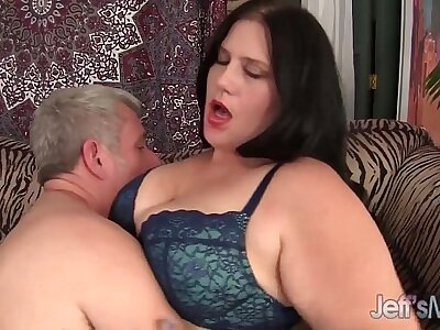 Bonny BBW Becky Butterfly loves riding fat dicks.